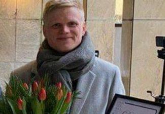 Johan Hedlund stärker elevernas självförtroende med musik