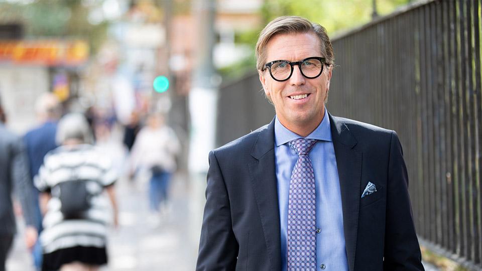 Porträttbild av AcadeMedias VD och Koncernchef , Marcus Strömberg.