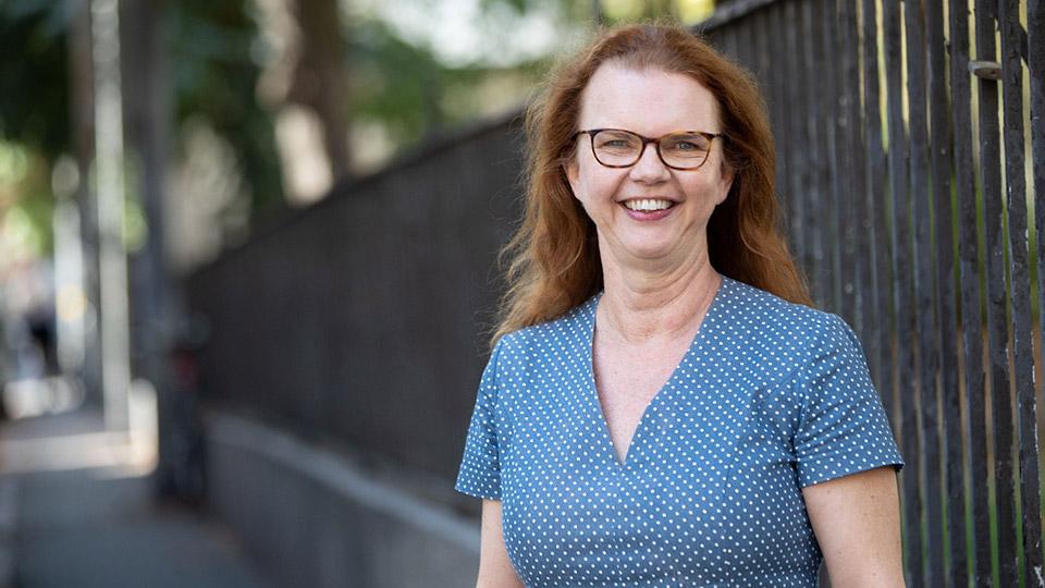 Porträttbild av AcadeMedias Kommunikations- och trygghetsdirektör, Paula Hammerskog.