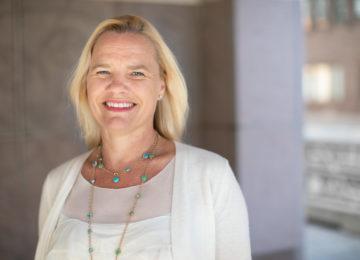 Porträttbild av Pia Rudengren