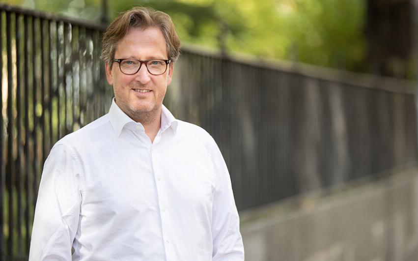 Porträttbild av AcadeMedias Chef Vuxenutbildning, Christer Hammar