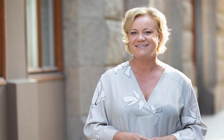 Porträttbild av AcadeMedias HR-Direktör, Lise-Lotte Oldmark