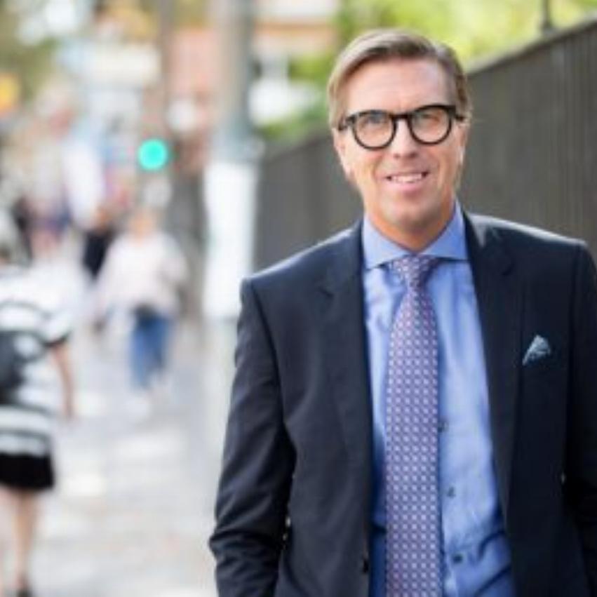 Porträttbild av AcadeMedias verkställande direktör, Marcus Strömberg