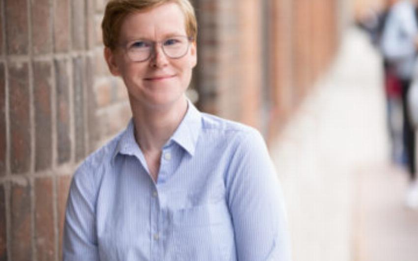Porträttbild av Pernilla Larsson